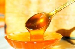 Польза меда при запоре